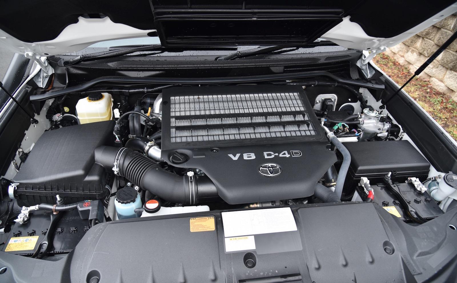 Двигатель ТЛК 200 дизель