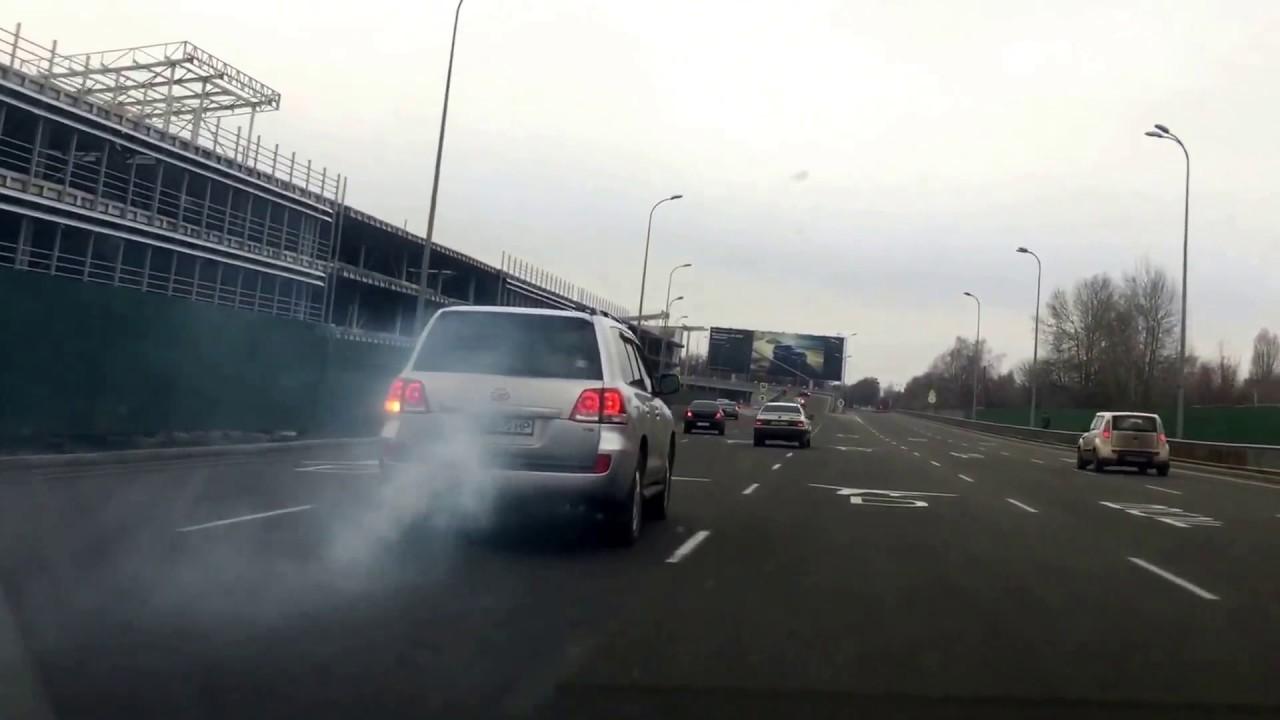 идет дым из тойота ленд крузер прадо 200