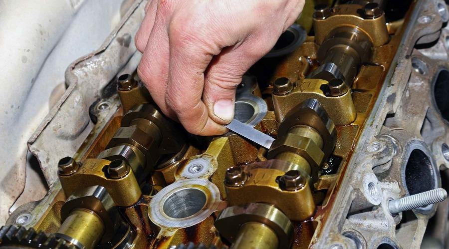 Измерение зазора клапанов на Тойота Прадо 120