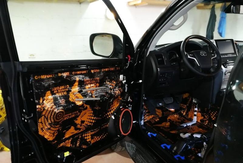 Шумоизоляция дверей на Тойота Прадо 200