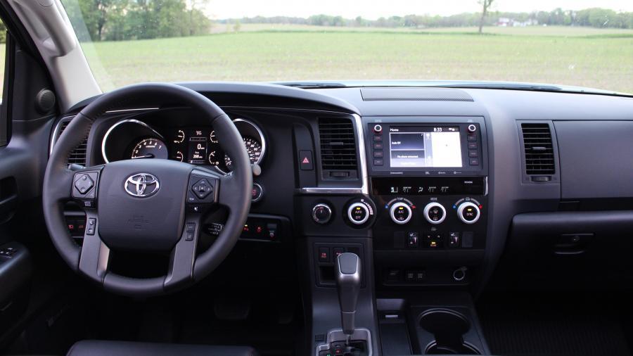Обзор Toyota Sequoia 2020 года